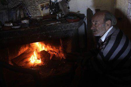 griechische weihnachten strom f r arme gratis viele. Black Bedroom Furniture Sets. Home Design Ideas