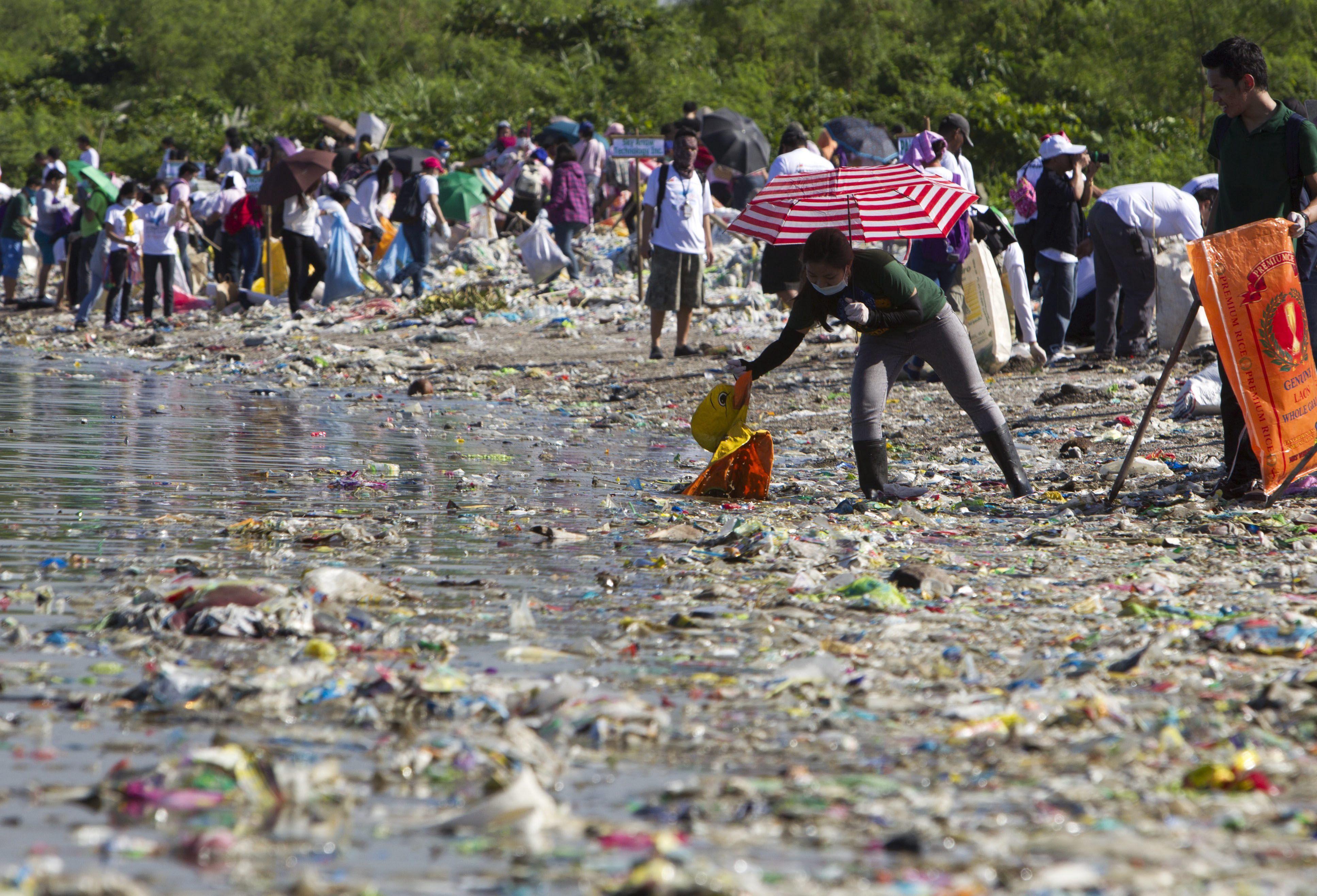 Müllkippe Ozean 269 000 Tonnen Plastik schwimmen im Meer