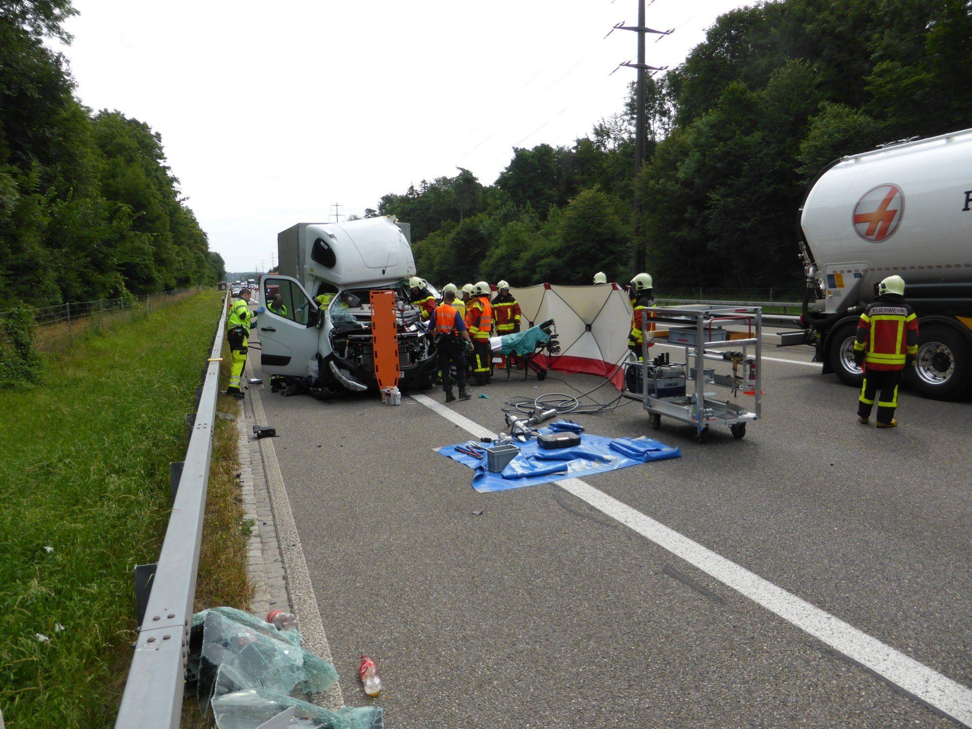Schwerer Unfall mit zwei Vorarlbergern in Wil (CH) - Vorarlberg ...