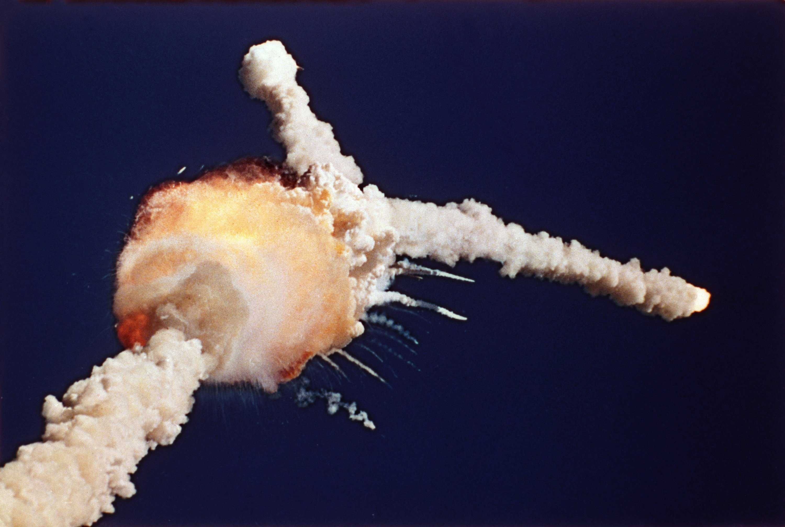 space shuttle disasters - HD 3000×2016