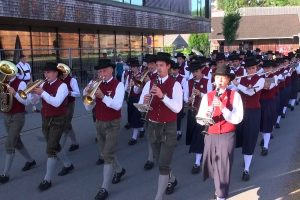Video:Sternaufmarsch Bezirksmusikfest in Egg 2016