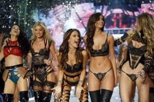 "Victoria's Secret Fashion Show in Paris: Die ""Engel"" verzauberten am Laufsteg"