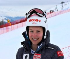 Christine Scheyer in den Top Ten im alpinen Schi Weltcup!