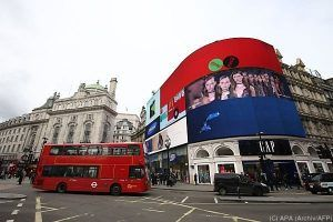 Lichter aus am Piccadilly Circus in London