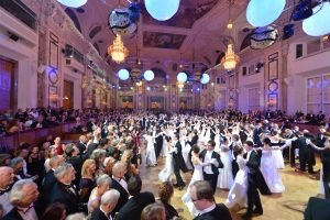 "Hofburg Silvesterball 2017: ""The Perfect Moment in Time"""