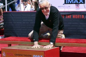 Stan Lee auf Hollywood Boulevard in Zement verewigt