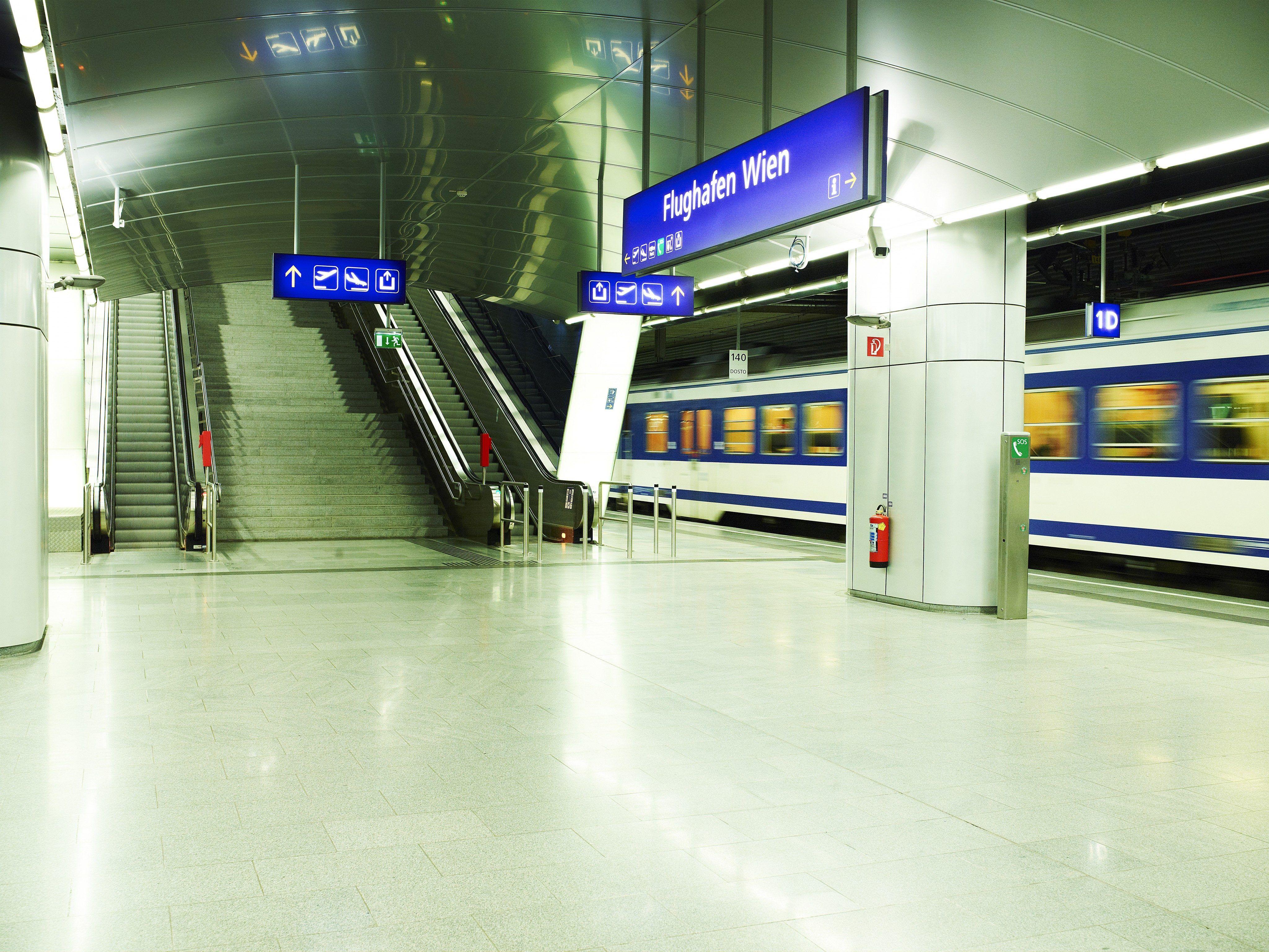 Flughafen Schnellbahn S7 Mit Taktverdichtung Ab September