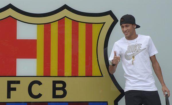 Neymar-Debüt verschoben - Euphorischer Empfang in Paris