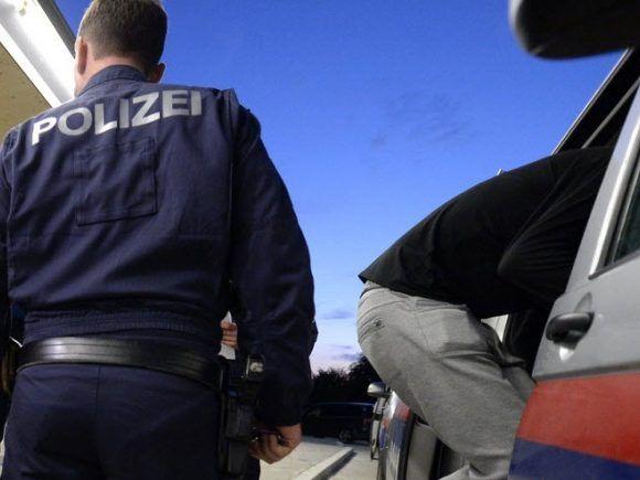 Ex-Freundin aus Rache mit Säure bespritzt - Österreich