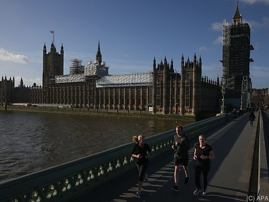 Grundlegender Beschluss im Parlament in London