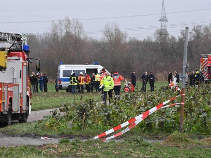 Karlsruhe: Vier Tote bei Zusammenstoß zwischen Kleinflugzeug und Hubschrauber