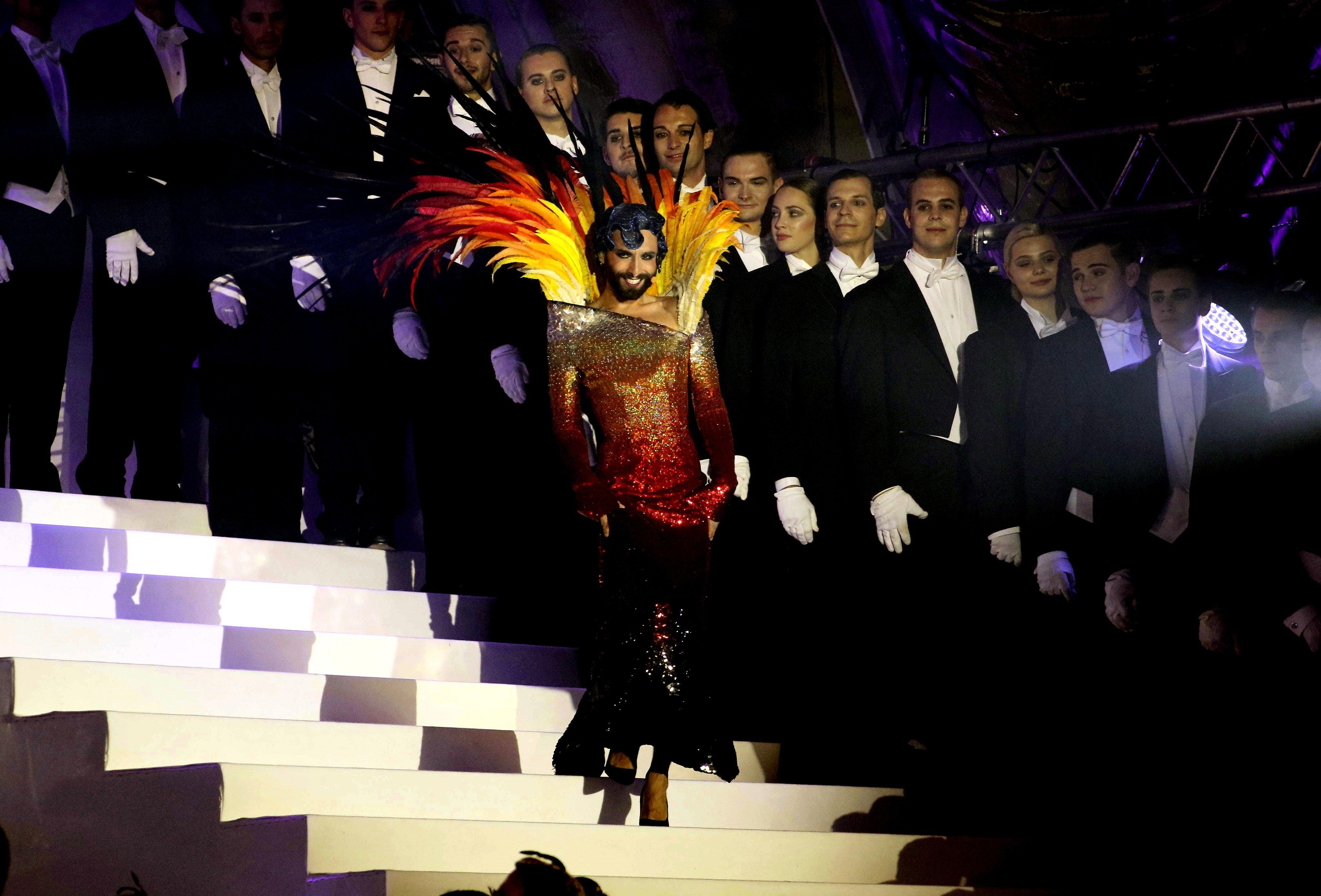 """Conchita Wurst veröffentlicht """"From Vienna with Love"""" mit den Wiener Symphonikern"""