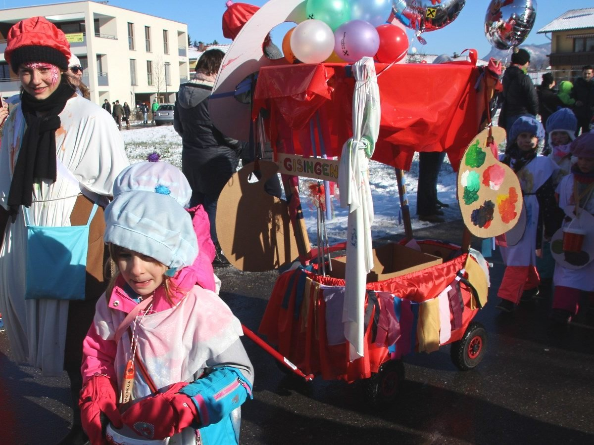 Kunterbunter Kinderfasching in Gisingen