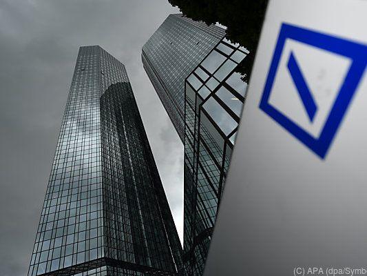 Rote Zahlen für Deutsche Bank: Vorstand verzichtet auf Bonus