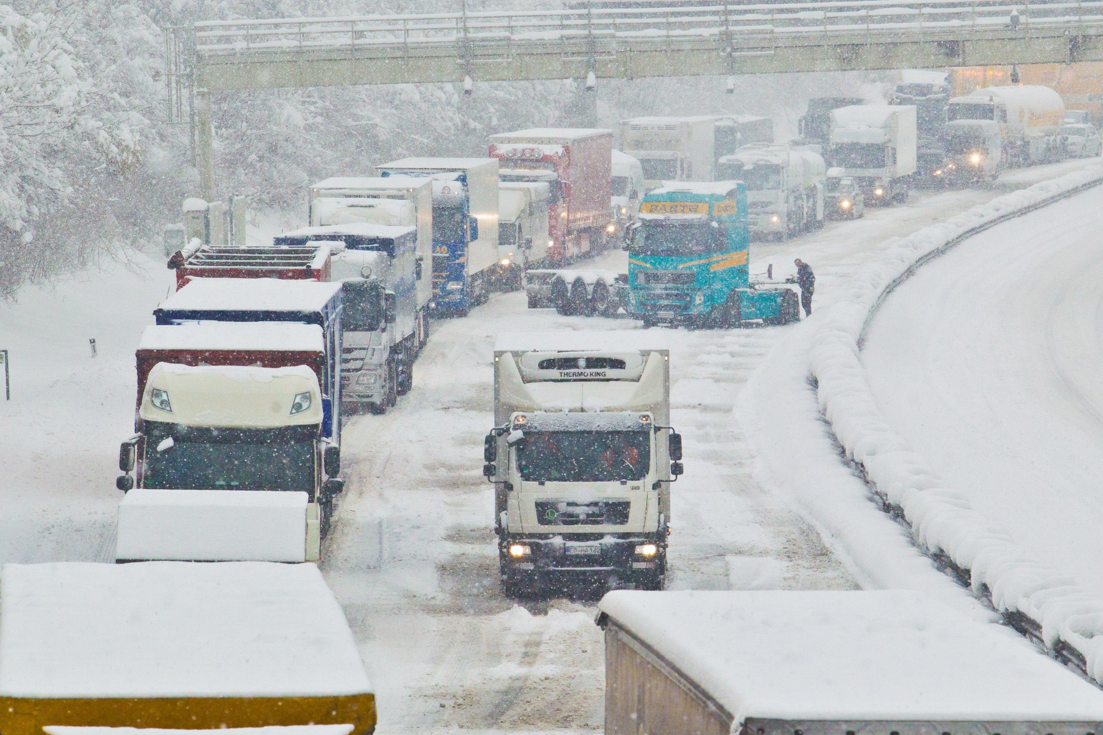 Schnee im ganzen Ländle - Vorsicht vor Straßenglätte