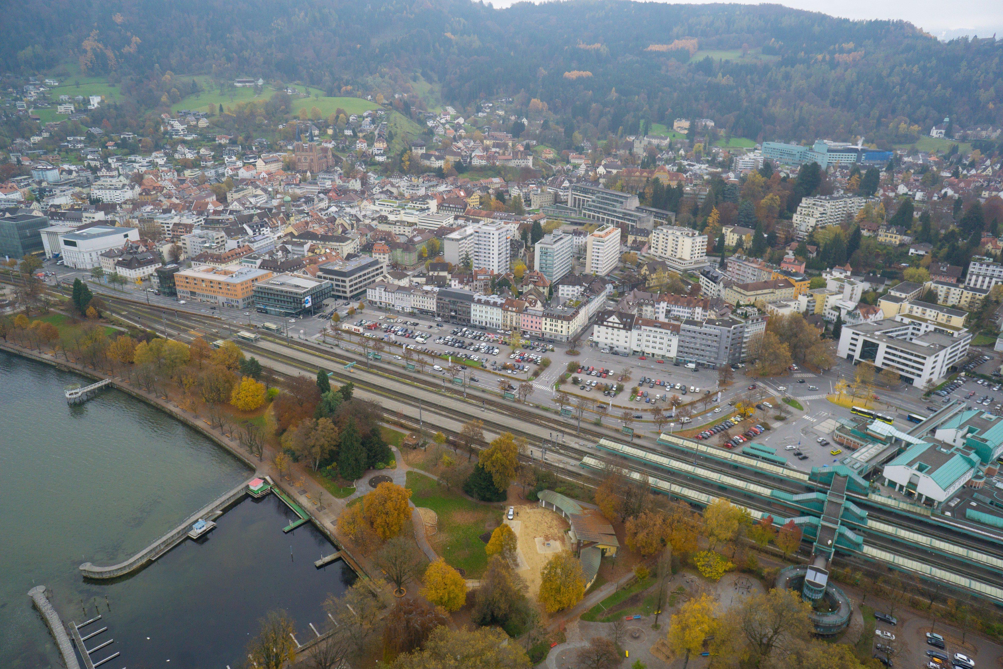 Vorarlberg: Arbeitsunfall in Bregenz - Mann von 150 Kilo Platte getroffen