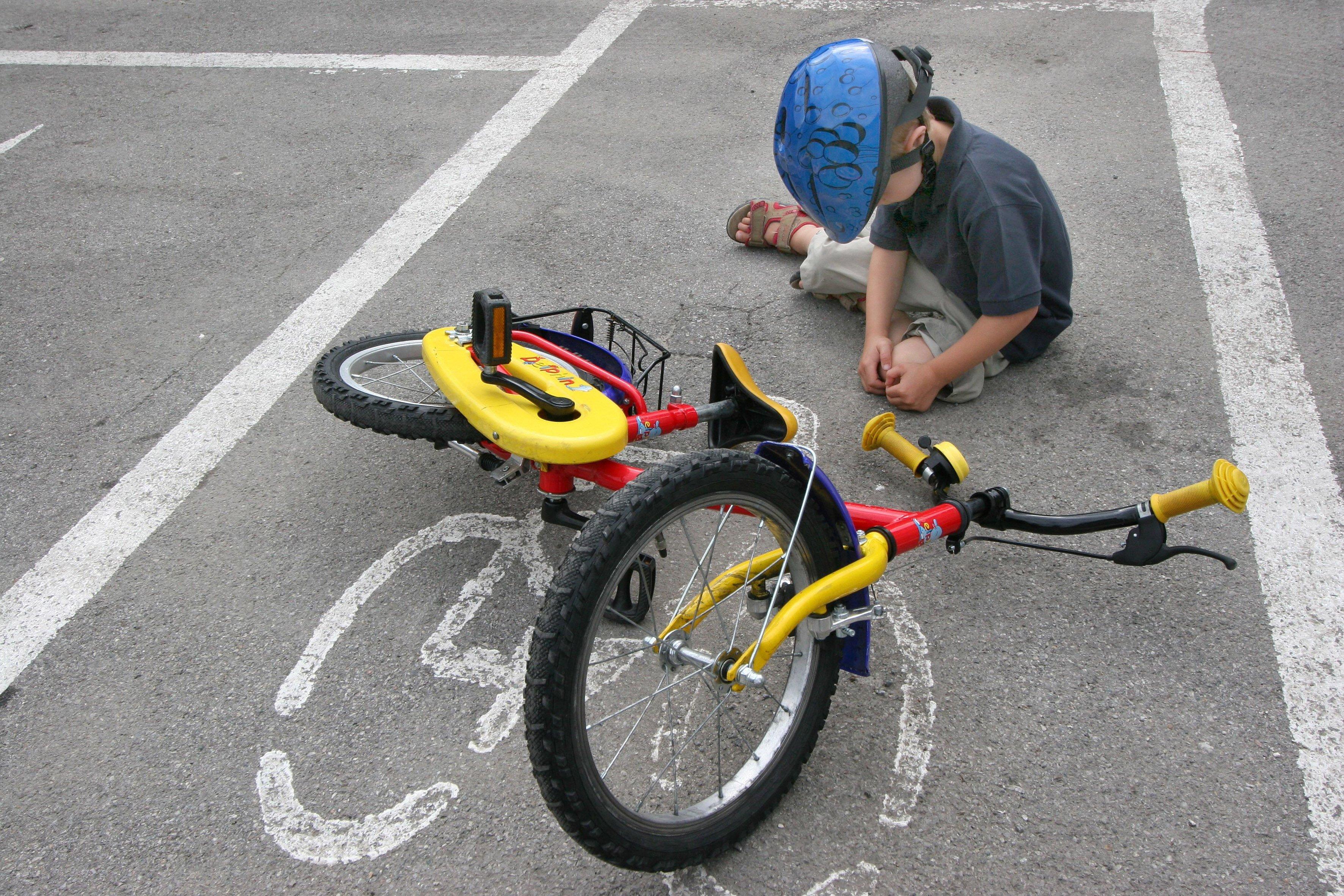 Vorarlberg: Motorradfahrer bringt 10-jährige Radlerin zu Sturz