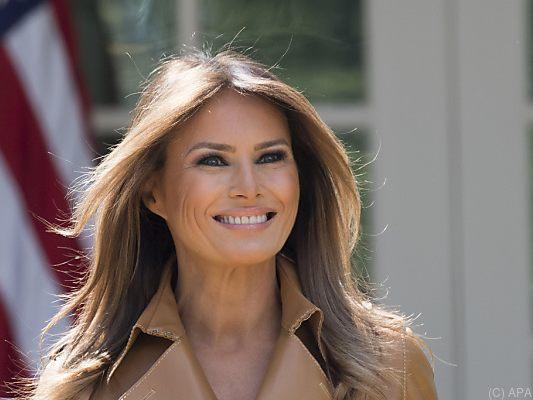 US-Präsidentengattin Melania Trump twittert nach OP wieder