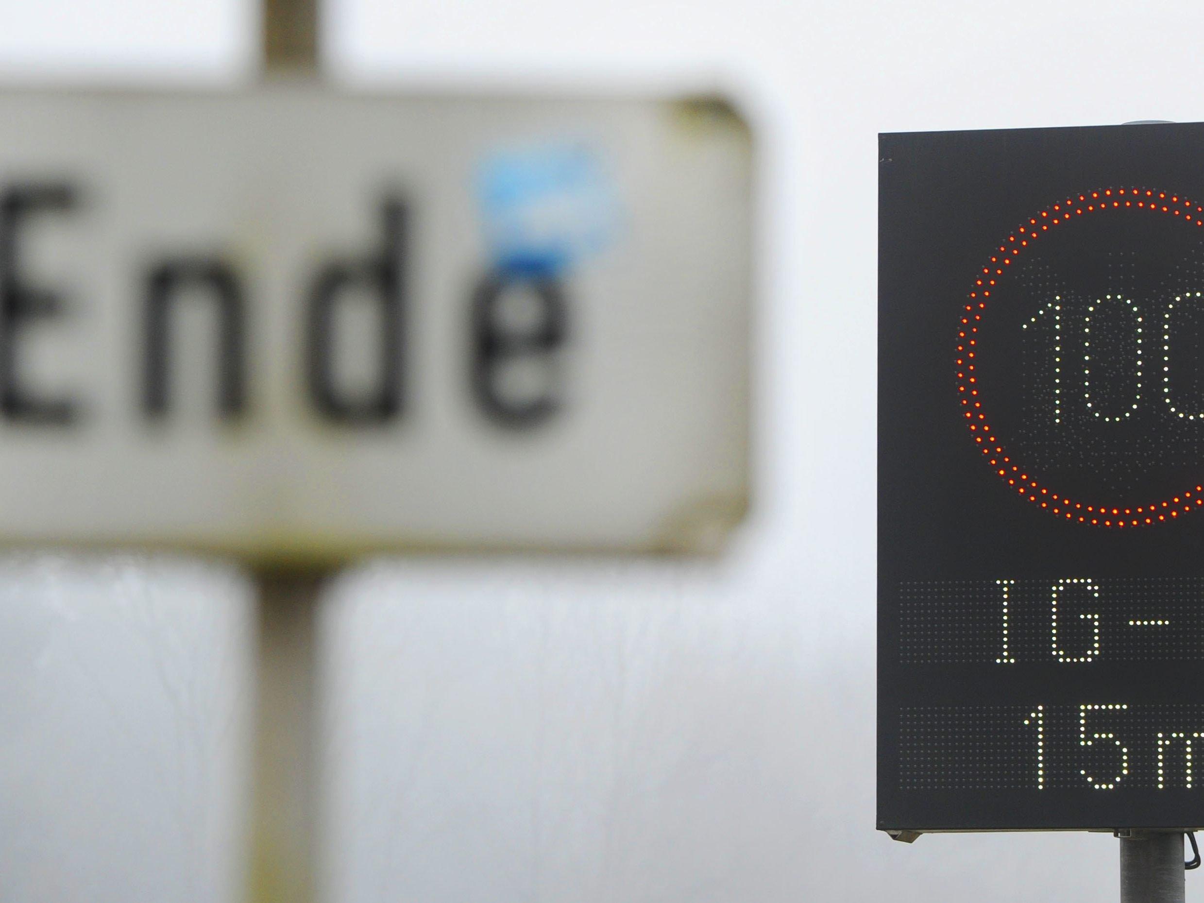 Köstinger will Ausnahme für E-Autos bei IG-Luft-Tempolimits ...