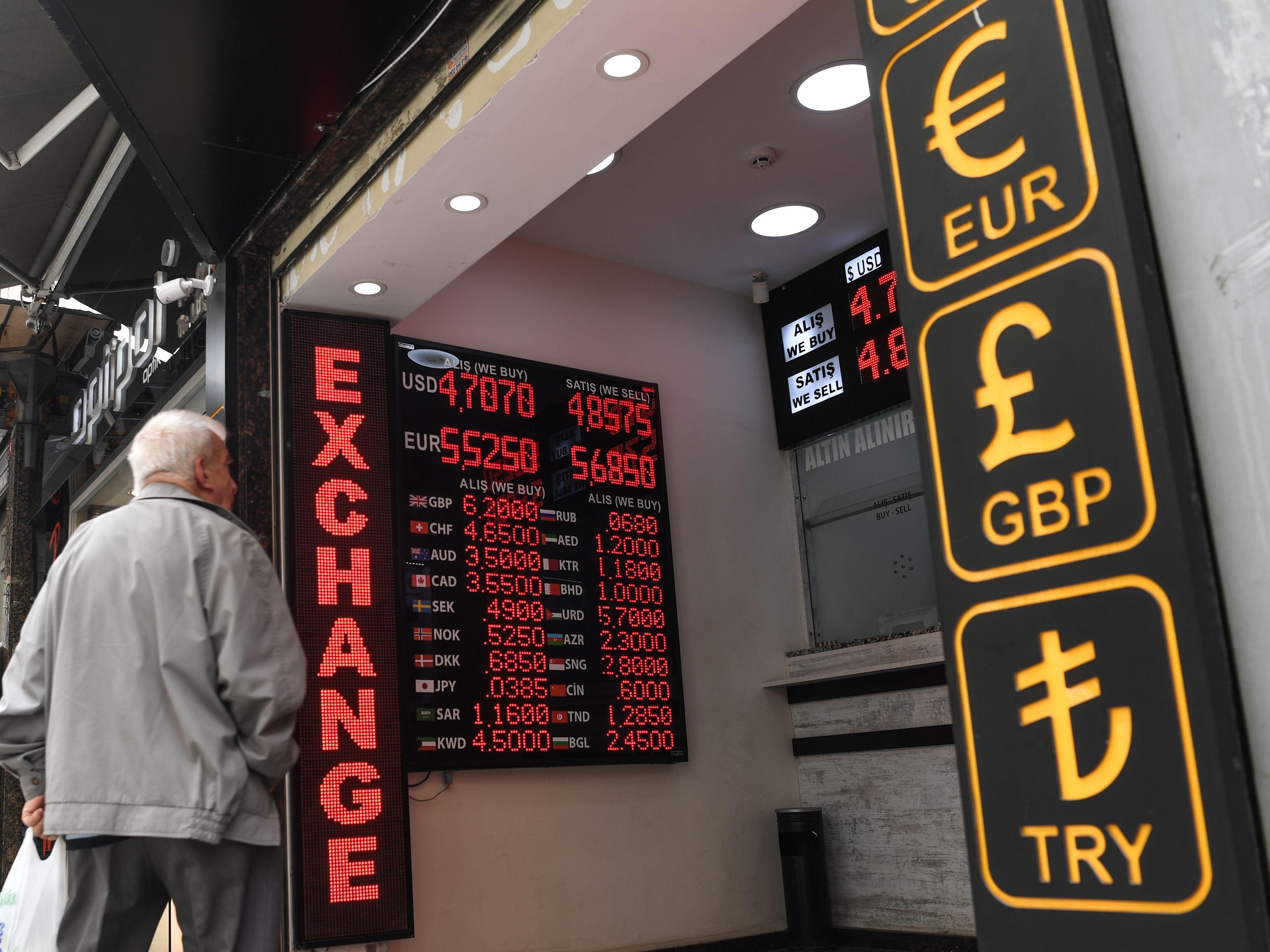 Lira-Kursverfall: Türkische Notenbank hebt überraschend Zins an