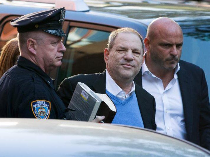 Wegen Vergewaltigung angeklagt: Harvey Weinstein festgenommen