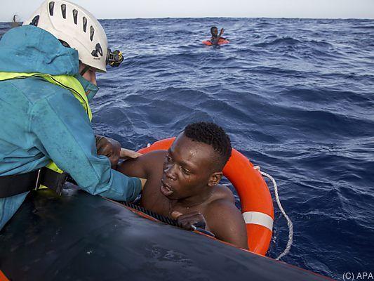 Italien - Mindestens 57 Migranten sterben im Mittelmeer