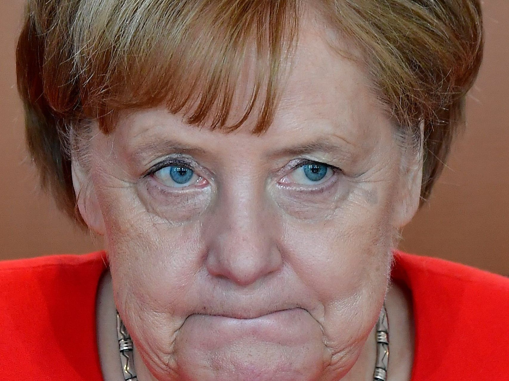 German Prime Minister: Close cooperation with former BAMF head of administrative maladministration.