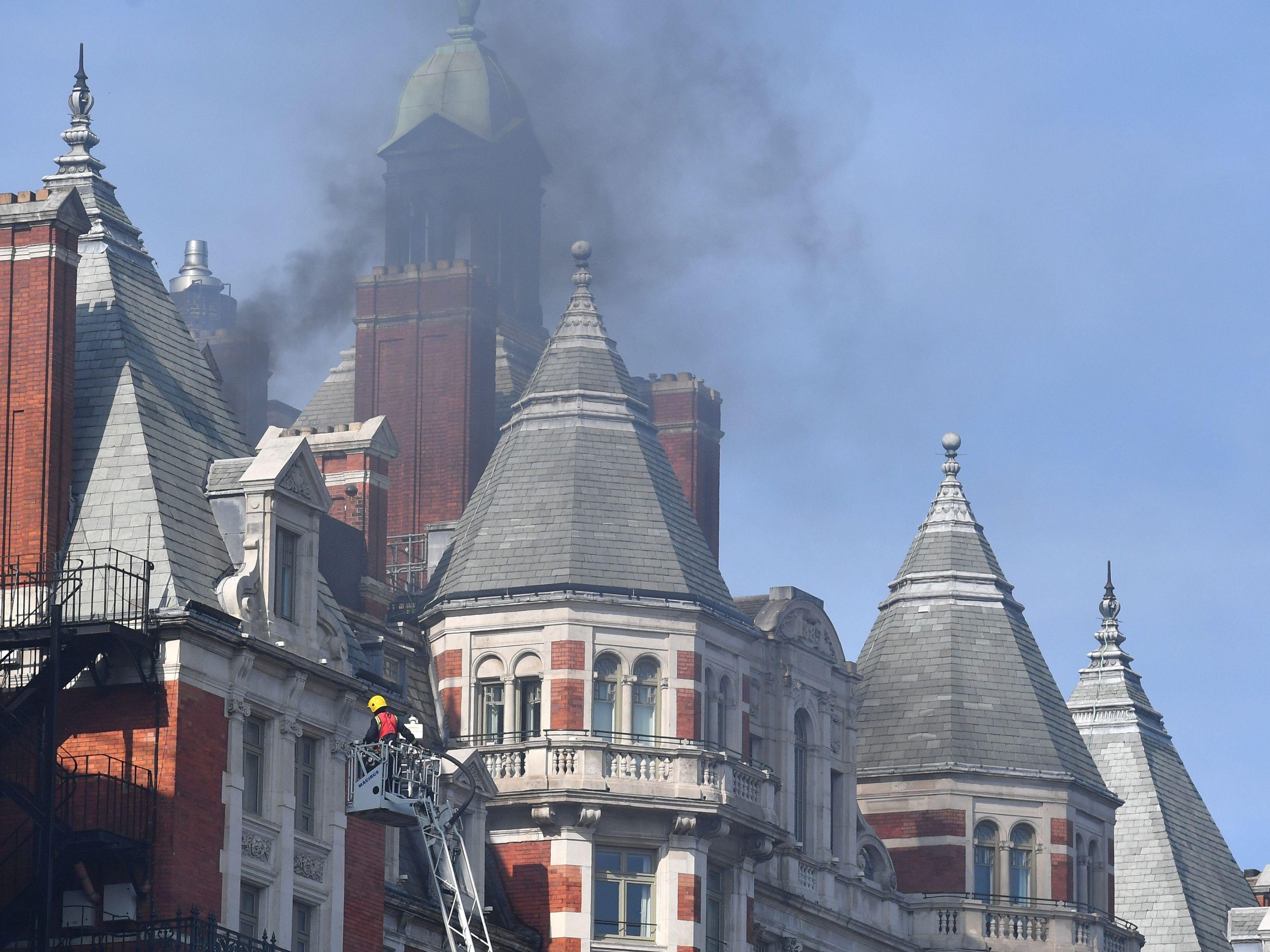 Robbie Williams flieht aus brennendem Hotel in London