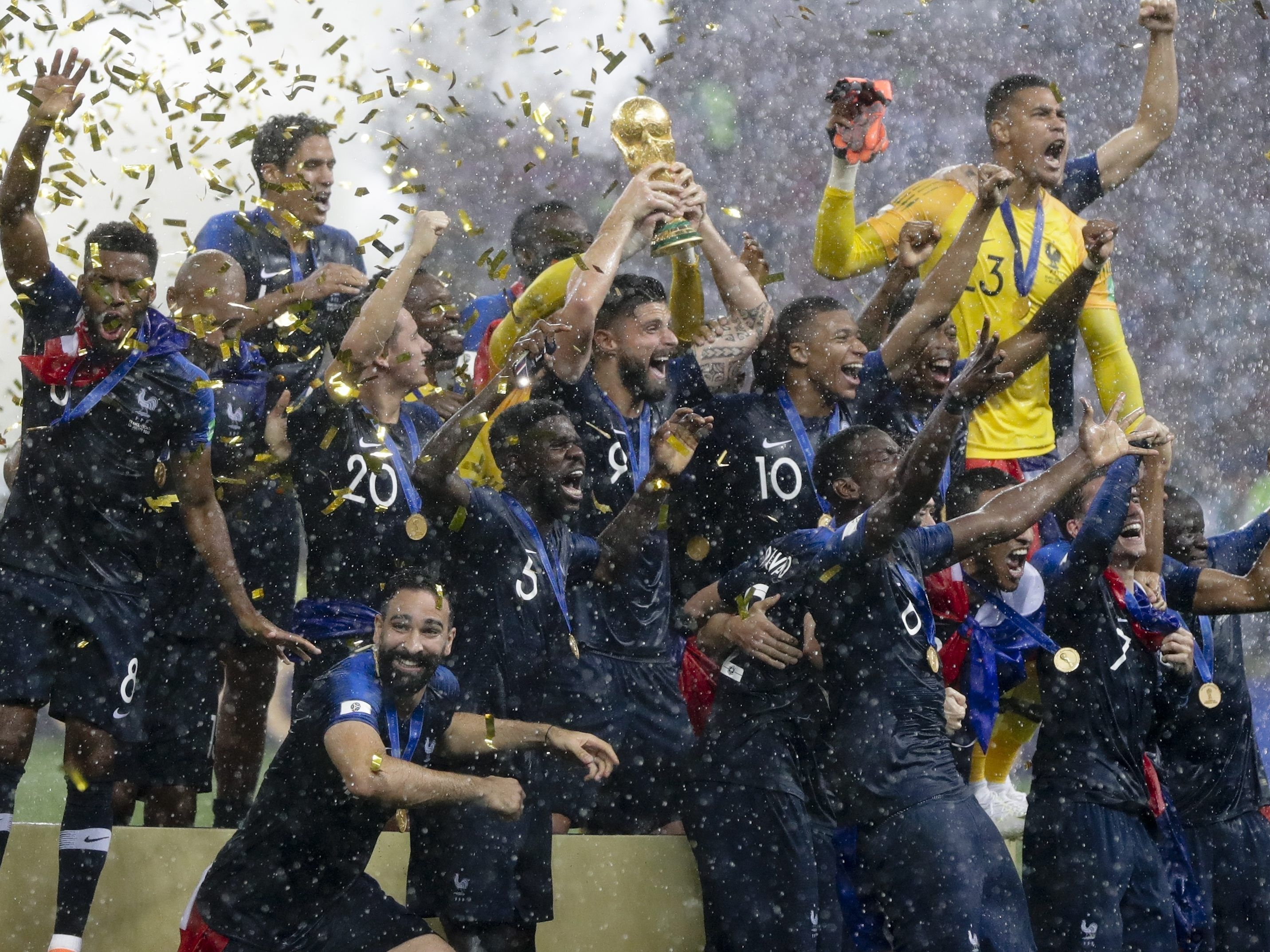 Frankreich Kront Sich Zum Zweifachen Fussball Weltmeister