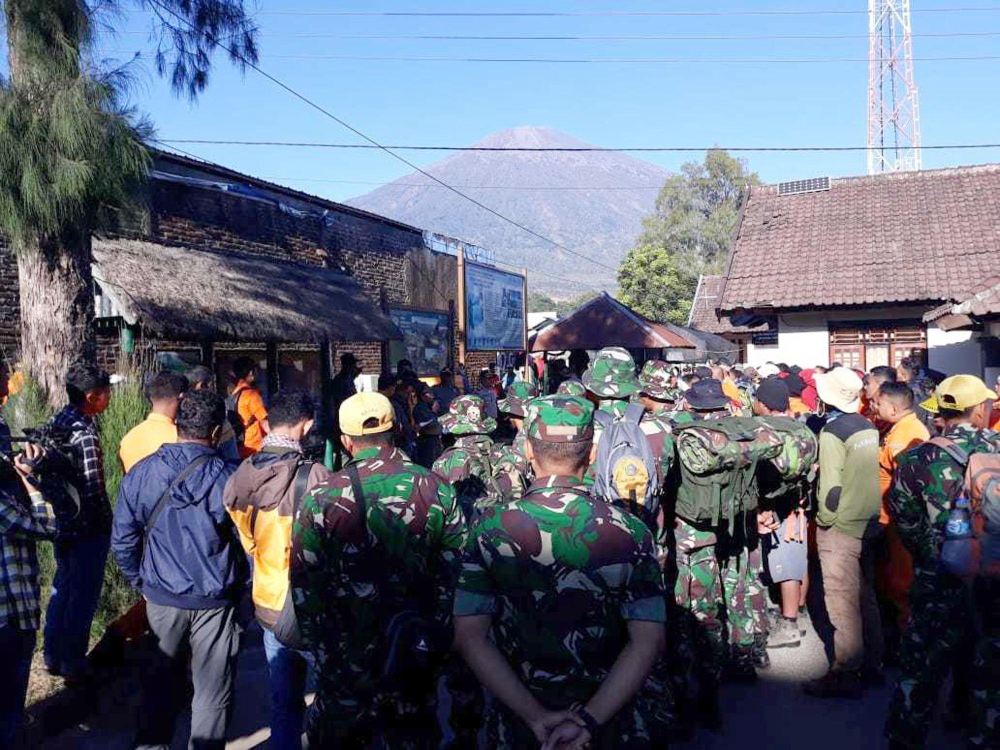Mindestens drei Tote auf indonesischer Insel bei Erdbeben