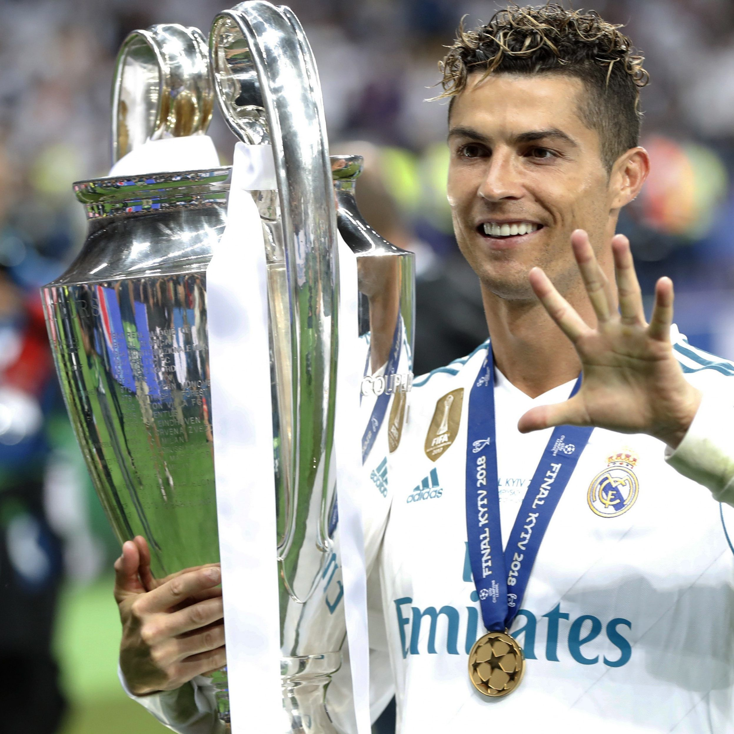 Ronaldo hat mit Real Madrid die Champions League 2017/18 gewonnen.