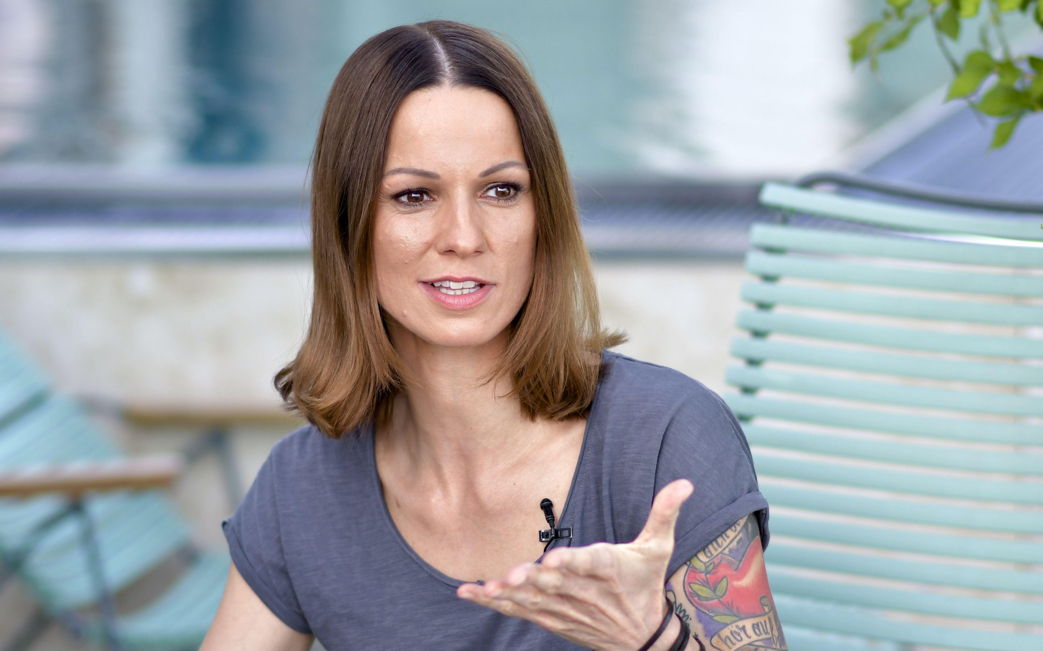 """""""Der Rock'n'Roll ist ein anderer"""": Christina Stürmer als Mama on Tour"""