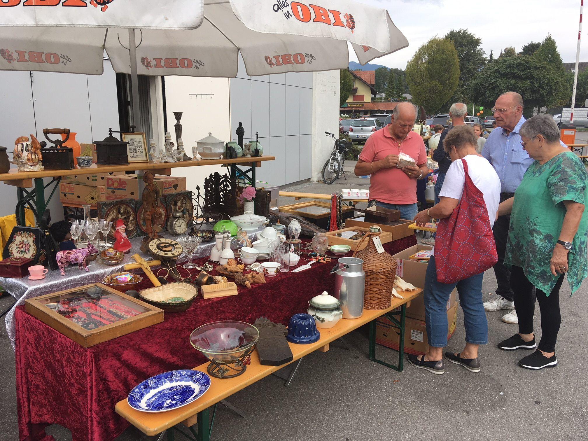 Ein Flohmarkt für Spielzeug in der Stadt Vorarlberger