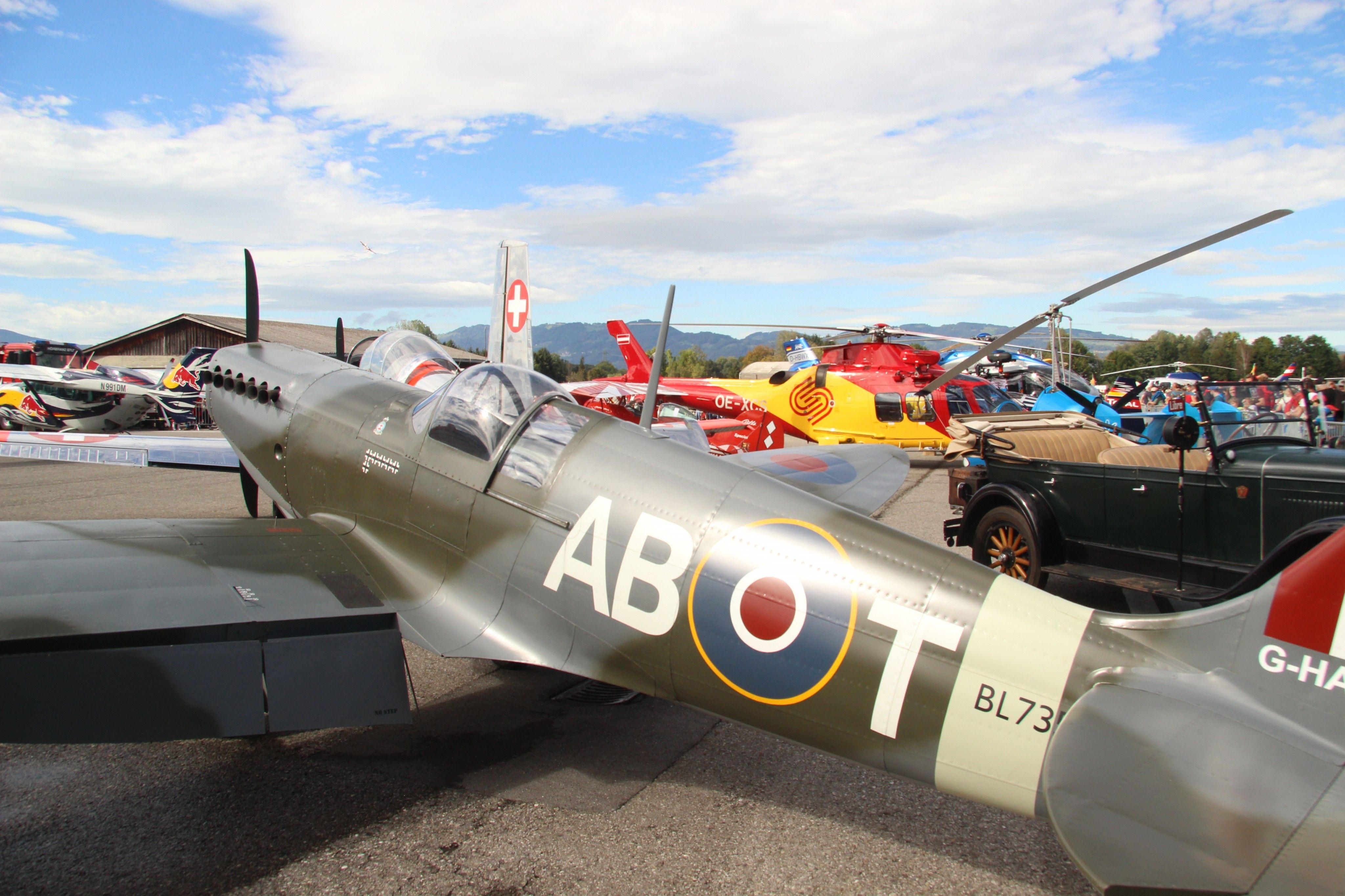 Vorarlberg: Atemberaubende Flugshows am Flugplatz Hohenems