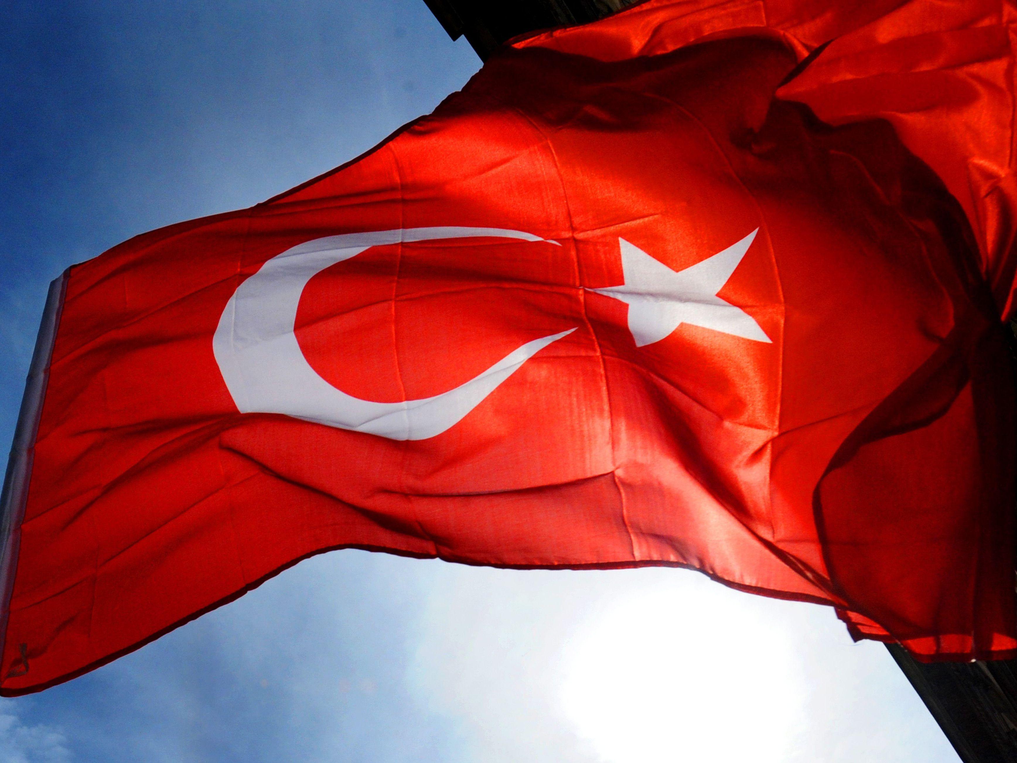 Türkische Armee bombardiert kurdische YPG-Miliz in Syrien