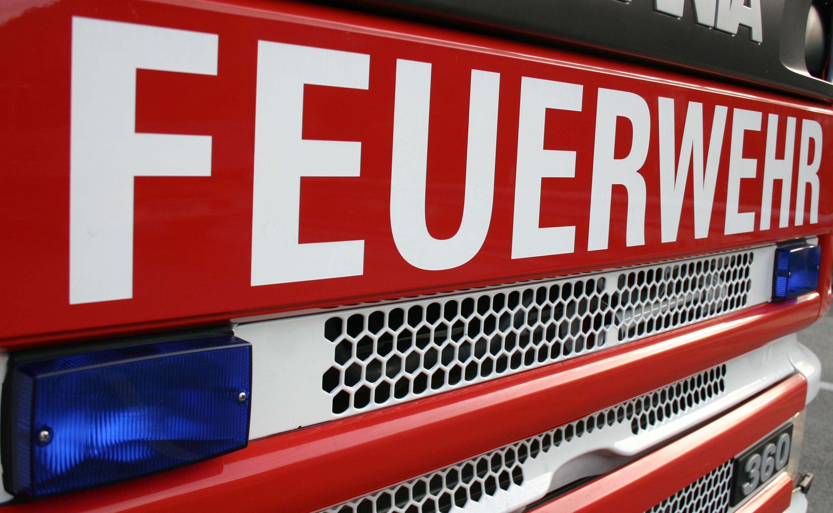 Vorarlberg: Unfall mit Lkw - Treibstoff ausgelaufen