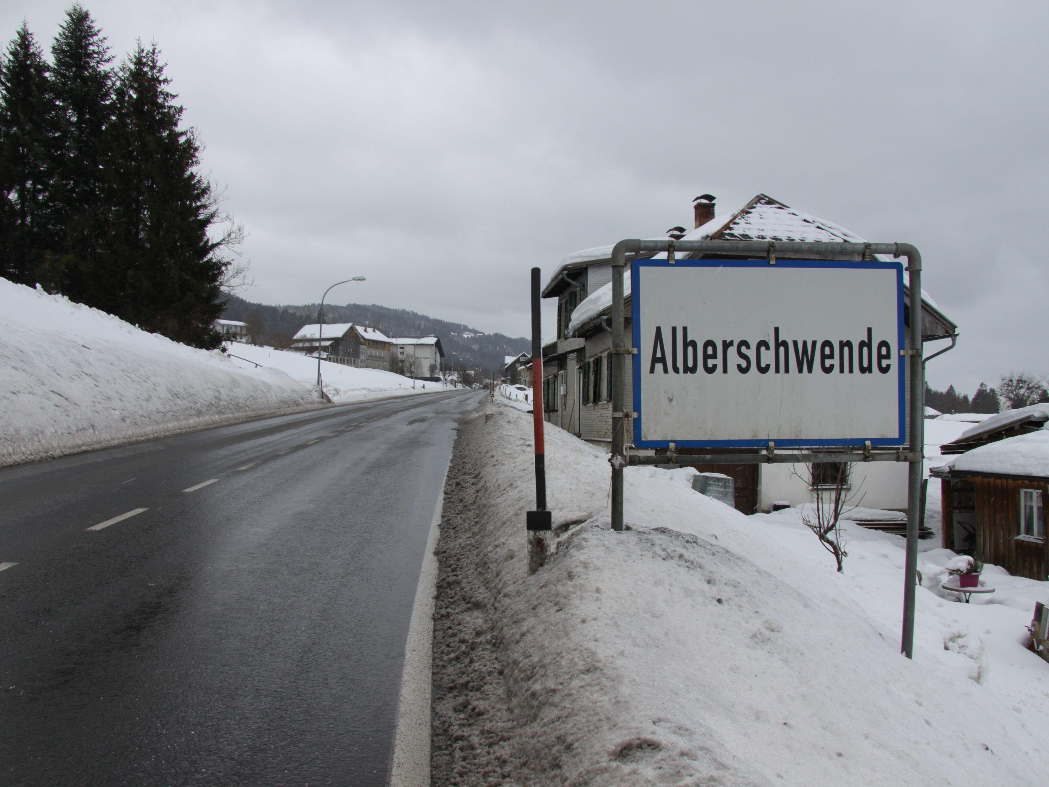 Drei Verletzte bei Pkw-Kollision in Mselbach - Alberschwende