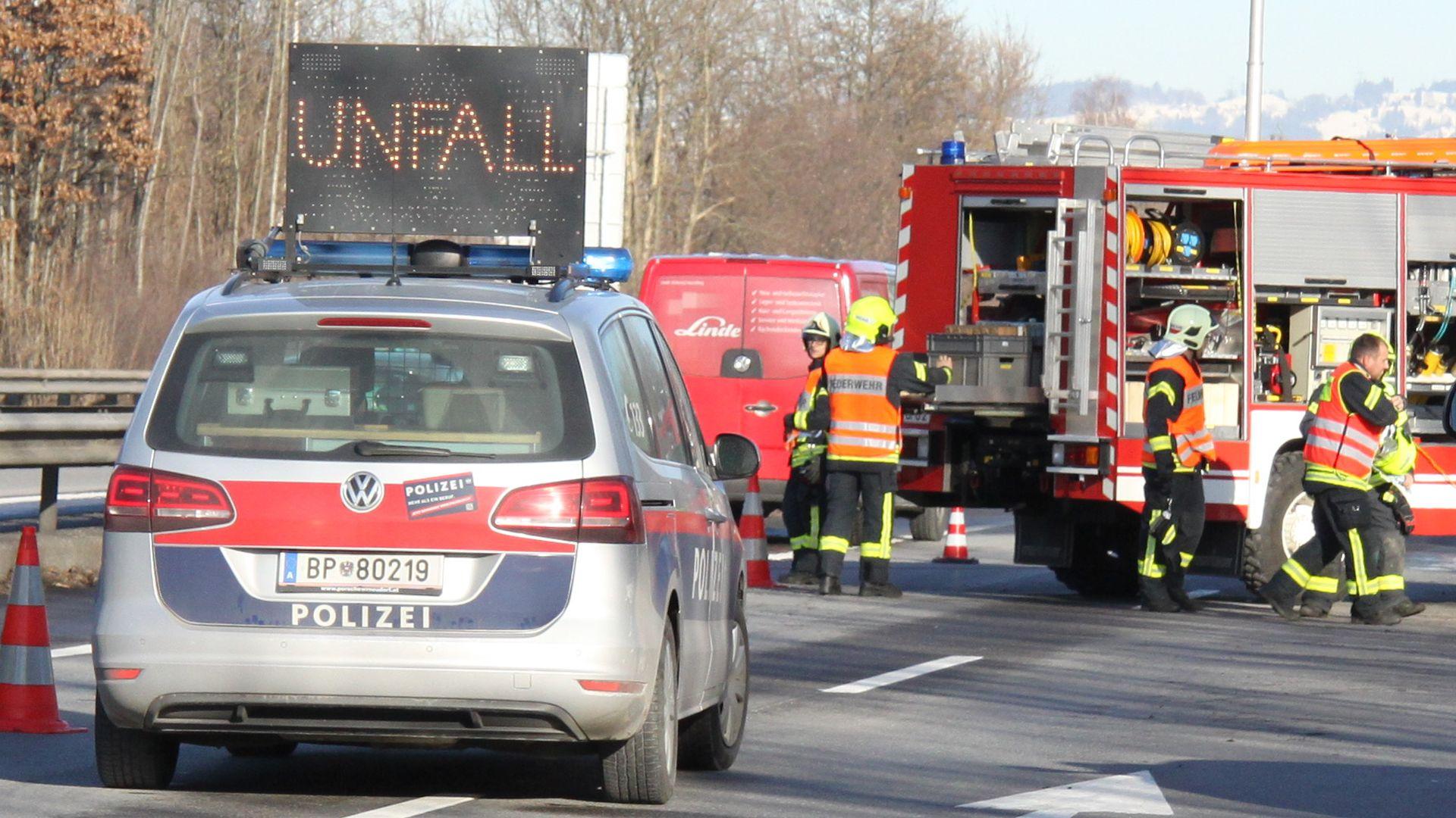 Vorarlberg: Unfall auf der A14 - Stau Richtung Tirol