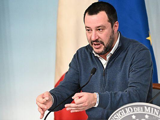 Italien ordnet Beschlagnahme von Rettungsschiff an
