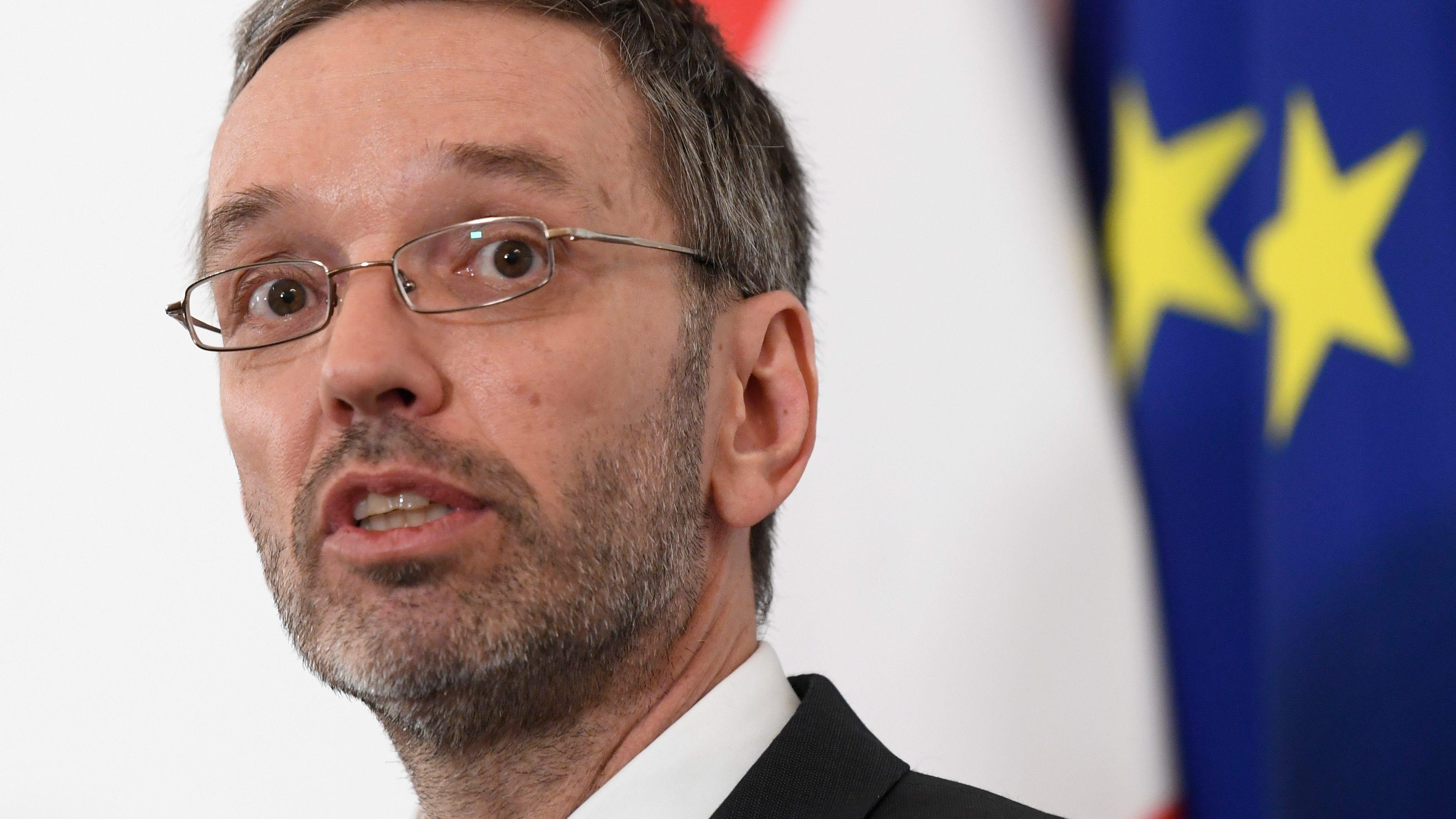 Opposition-ber-Kritik-an-1-50-Euro-Stundenlohn-f-r-Asylwerber