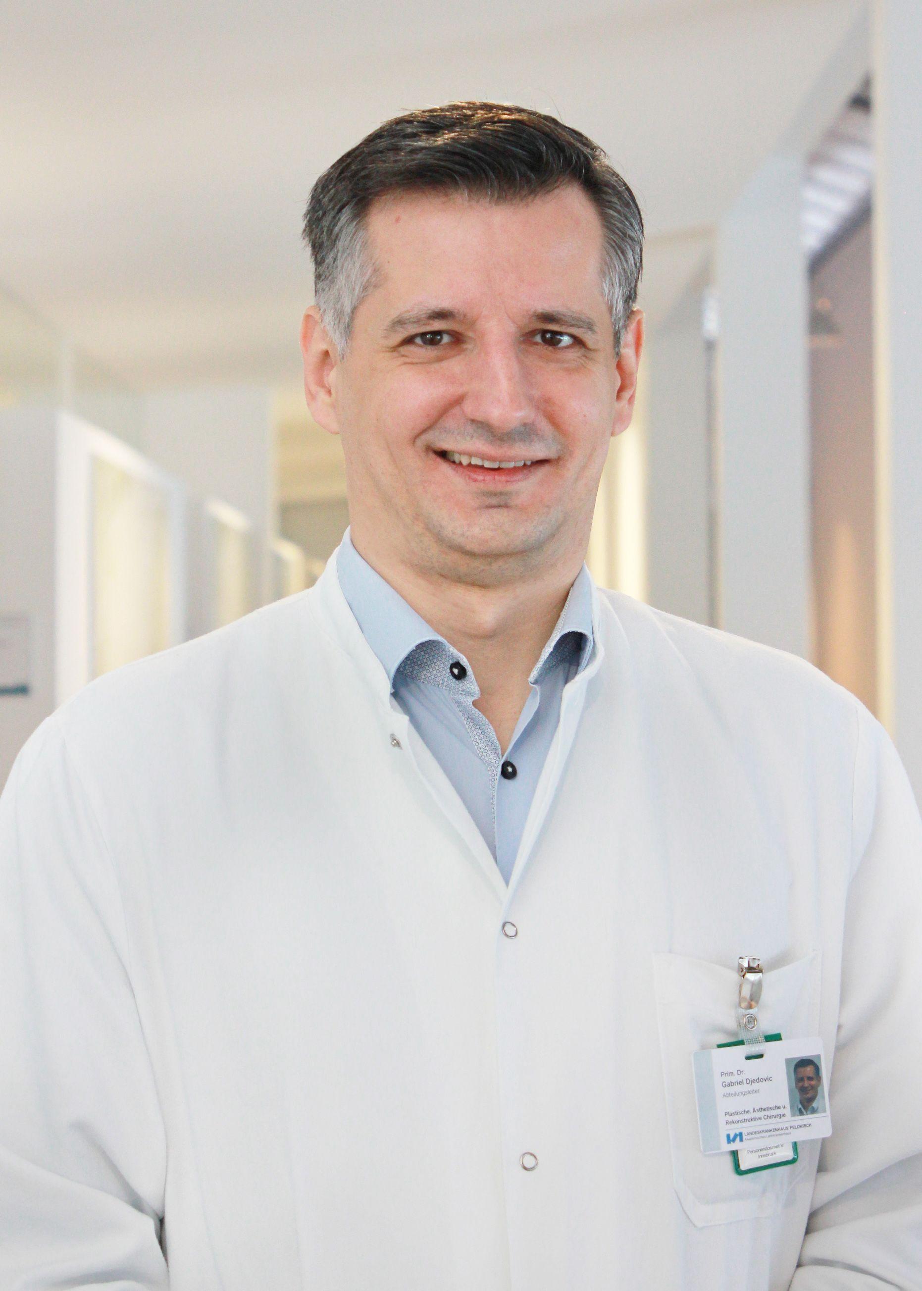 LKH Feldkirch: Leiter der Plastischen Chirurgie doziert an Med-Uni Innsbruck