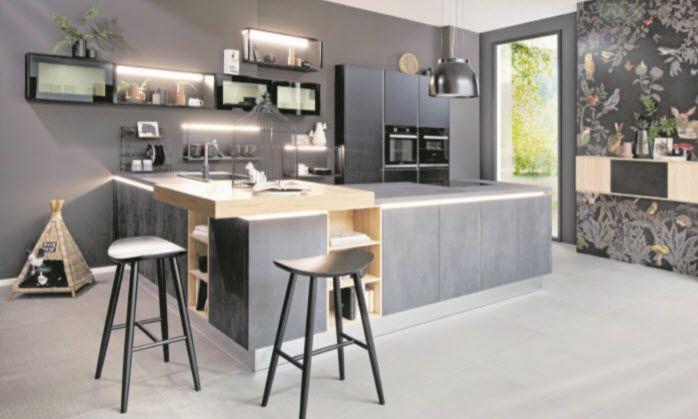 Küchentrend – dunkle Töne und raffinierte Beleuchtung
