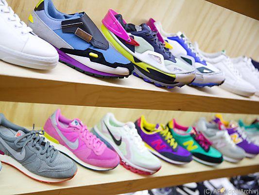 release date: 96b20 675a1 Schuhhändler litten unter Wetter und Onlinekonkurrenz ...