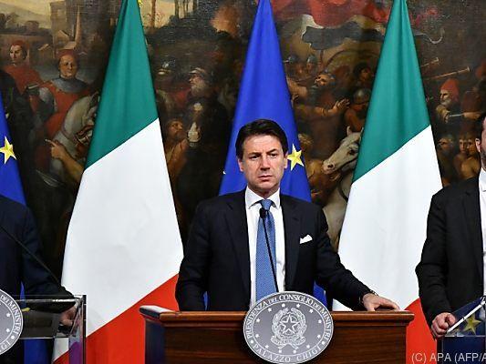 Regierungskrise in Italien: Lassen die 5 Sterne Salvini hängen?