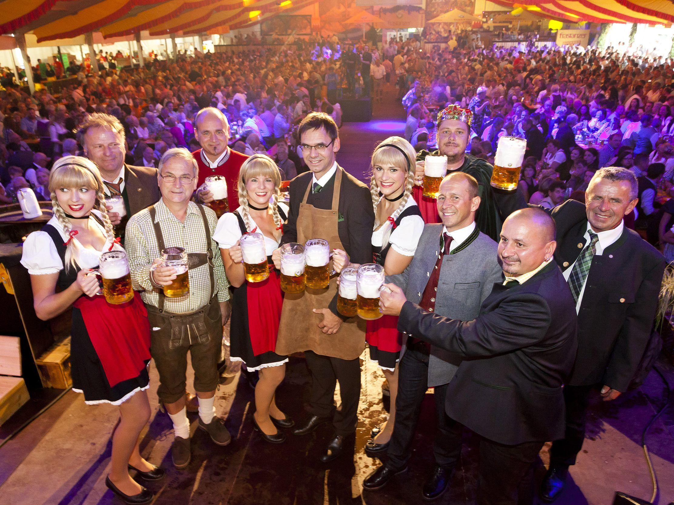 Volles Haus beim Bockbierfest in Frastanz - zarell.com -- VOL