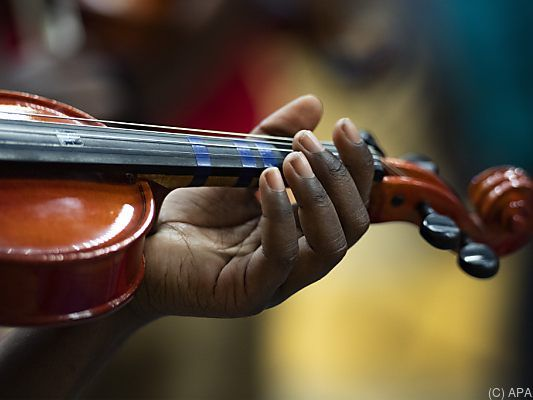 Bekannter Violinist vergisst über 300 Jahre alte Geige in Londoner Zug