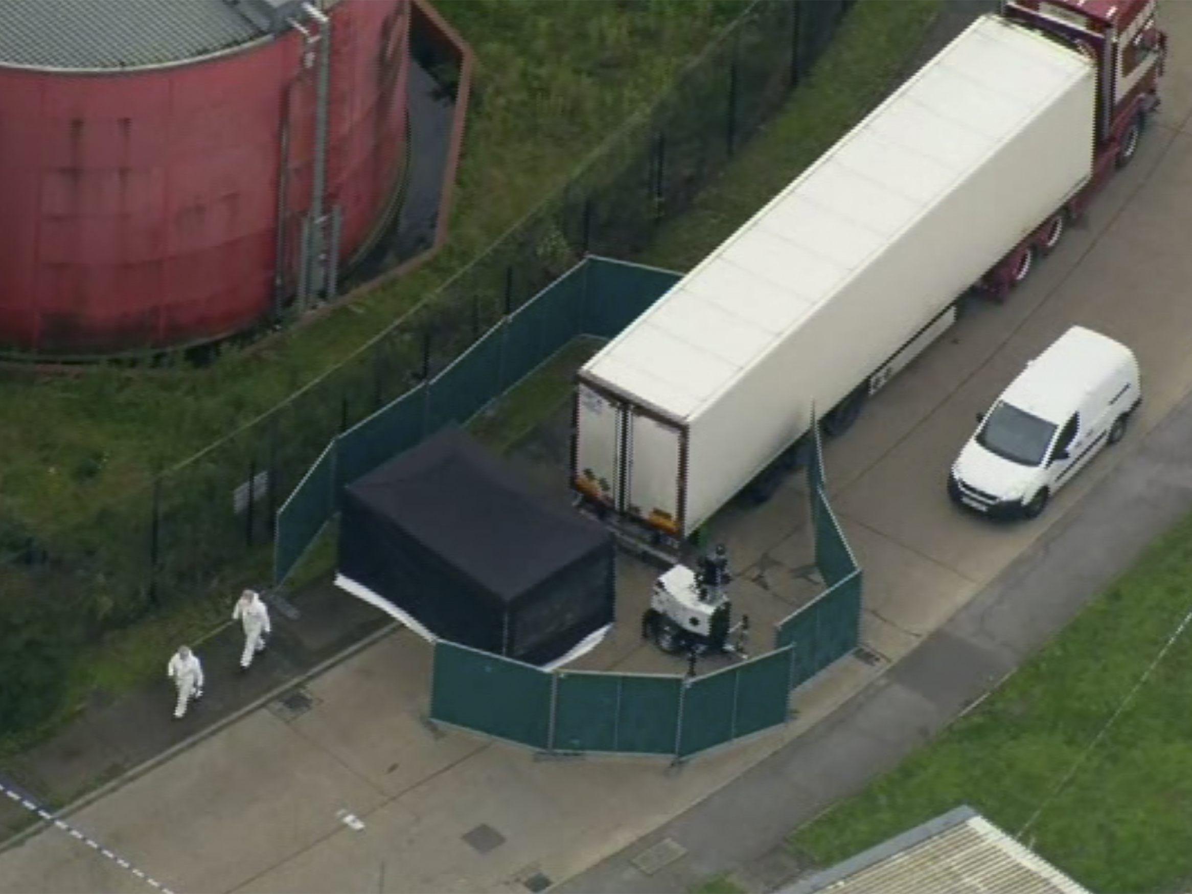 Grausiger Fund in Großbritannien - 39 Leichen in LKW-Container entdeckt - Fahrer festgenommen