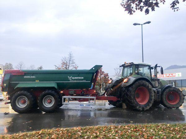 Vorarlberg: Traktor rammt Transporter - Unfall in Dornbirn Schwefel