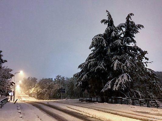 Schneechaos - Ein Toter nach Wintereinbruch in Frankreich