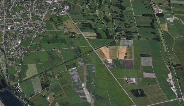 Lustenau: Lkw stürzt in Straßengraben